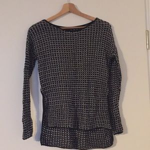 Aritzia Wilfred Black and White Knit Sweater